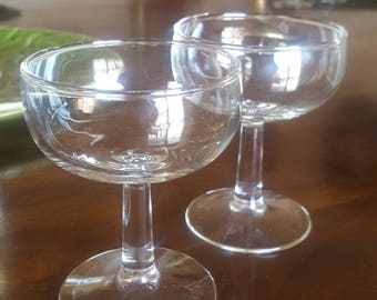 Champagne Coupes Rounded Vessel S/2