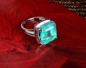 Columbian Emerald Ring 14k Gold - New/ Size 7