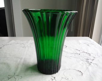 ANCHOR HOCKING green forest flower vase