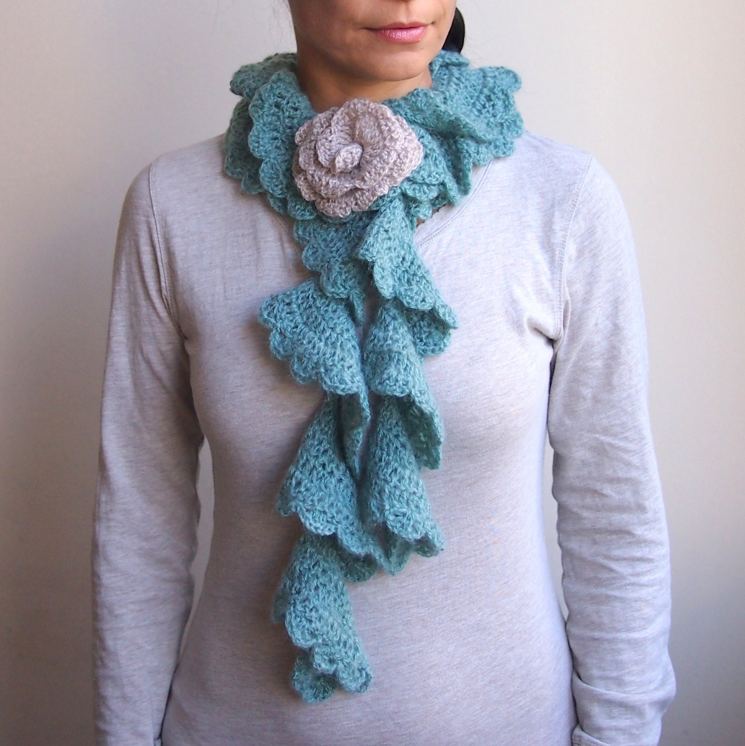 Fancy Crochet Pattern For Ruffled Scarf Image - Easy Scarf Knitting ...