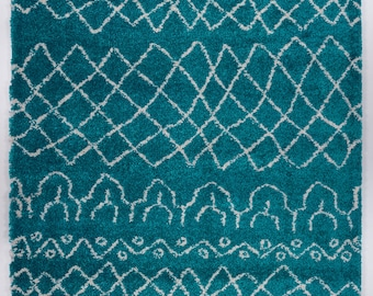 Shaggy Turquoise Ivory Vancouver Area Rug