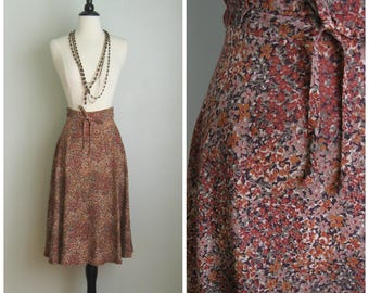 Vintage 1970's Gathered Waist Skirt// Fall Flowers// Size Small