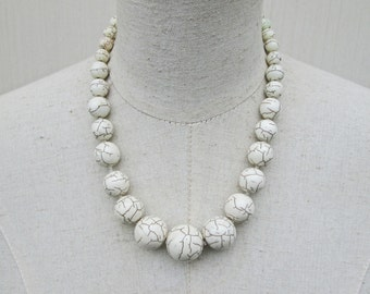 White Howlite Graduated Beaded Chunky Necklace, Minimalist Beads