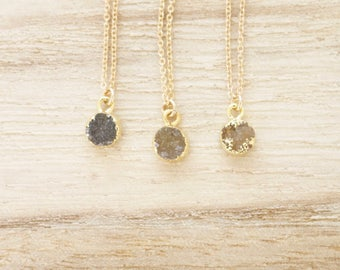 Tiny druzy necklace, tiny druzy, druzy necklace, druzy pendant, round druzy stone, natural druzy agate, gold druzy necklace