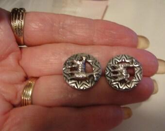 Lama earrings screwbacks