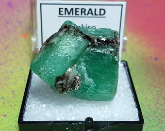 Vente éthiopienne émeraude 89.5 carat Bright Green Double résilié Twin Emeraude Pierre cristal minéral spécimen d'Ethiopie New