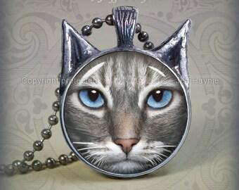 TBKG7 Grey Tabby Cat pendant