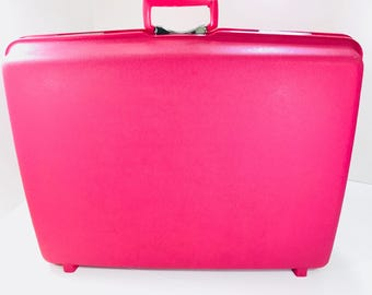 Vintage Suitcase Royal Traveller Montbello Hard Shell Amazing Hot Pink Color 70s Large 27 x 20 x 8 Mid Century Travel Luggage