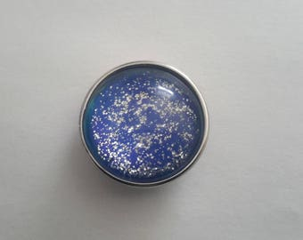 snap closure in blue color glass cabochon with glitter