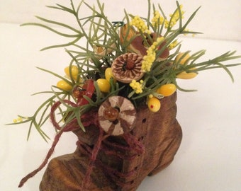 Vintage Button Bouquet/Wooden Boot-Prim Country Folk Home Decor