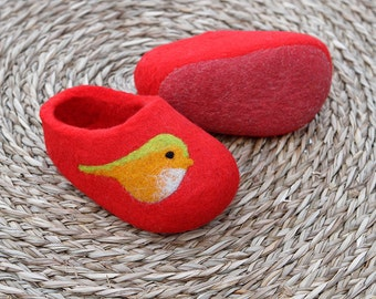 Hand Felted Wool Slippers  in Red with Birds decor. Size EU 25 ready to ship!