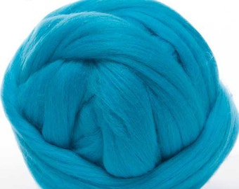 Merino Wool Top - 22.5 micron -Turquoise Blue - 4 ounces