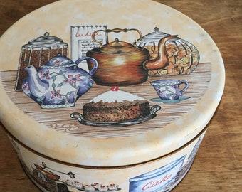 Vintage Regency Ware circular cake tin