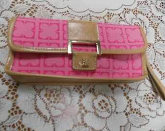 Vintage Liz Claiborne Pink Floral Clutch Bag in Excellent Condition See Scan