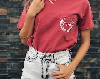 Gamma Phi Beta Comfort Colors Laurel ΓΦΒ Unisex Pocket T-shirt
