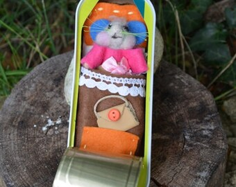 Box mouse/clothing/blanket/pillow/bag, treasure amigurimi, felted, girl gift, toy miniature waldorf doll, baby boy
