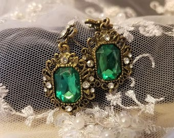 Vintage Emerald Post Earrings