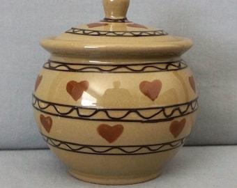 Hartstone Pottery USA Covered Honey Pot Jam Jar Sugar Bowl Red Hearts
