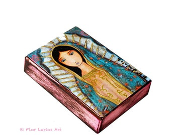 Virgen de Guadalupe en rose - ACEO giclée print monté sur bois (2,5 x 3,5 pouces) Folk Art par FLOR LARIOS