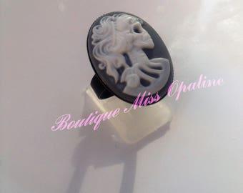 Skeleton woman resin Adjustable ring