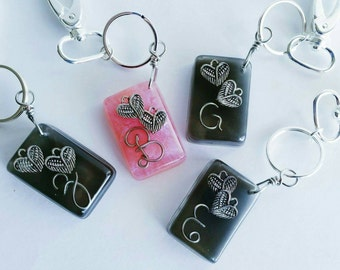 Personalized handcrafted resin keychain with wire letter and charms
