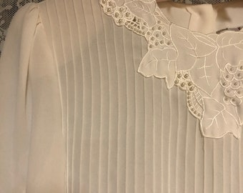 Vintage Sheer White Chiffon Long Sleeve Back Button Up Pearl Bead Embellised Blouse Top Size 12