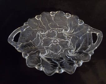 Beautiful vintage Indiana Glass platter with handles