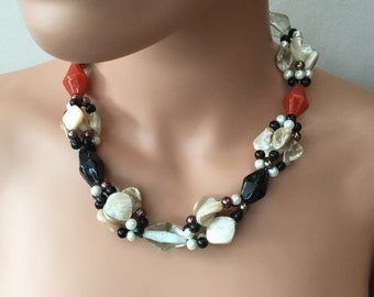 Mother Of Pearl, Glass And Glass Pearls Mixed Beads Necklace