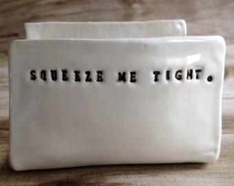 Kitchen Sponge Holder - Squeeze Me Tight