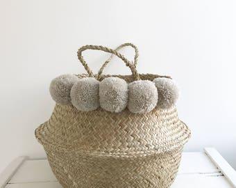 Large seagrass grey pompom basket bag storage nursery for Toy of laundry , panier boule