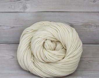 Calypso - Undyed Superwash Merino Wool Light Worsted DK Yarn - Colorway: Natural