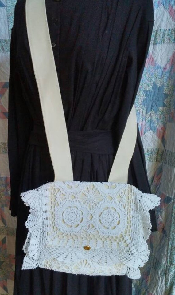 Vintage & Retro Handbags, Purses, Wallets, Bags White Lace Haversack with Cream Interior $35.00 AT vintagedancer.com