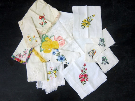 White Hankies Collection of 14 Ladies Handkerchiefs Vintage Handkerchief in Flowers Lot of Hankies women's gift Wedding Decor
