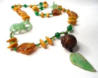 Vintage Boho Necklace Lucite Tumbled Agate and Jade Necklace Chunky Bohemian Necklace Vintage Jewelry