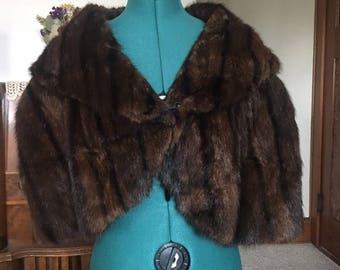 VTG 1940s / 1950s fur stole - glamorous!  M/L