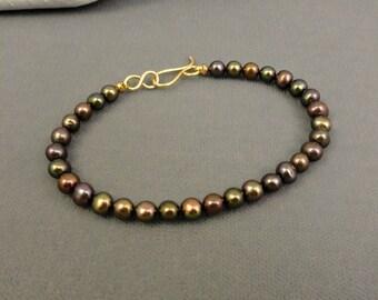 Bracelet of Gray Freshwater Pearls