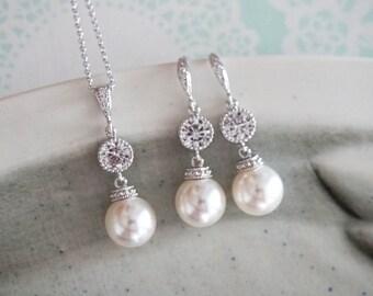 Wakina - Silver Pearl Earrings, Crystal teardrop, Swarovski pearl drop, Wedding Bridal, Bridesmaid earrings, Clear White weddings