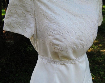 White Cotton EYELET LACE dress, vintage wedding party dress, Formal Cotton dress, Cocktail Party Dress, Ladies White Dress