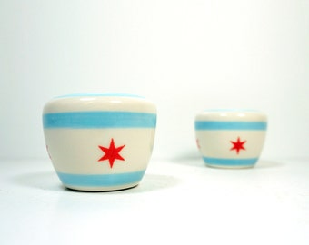 Salt and Pepper shakers featuring the Chicago Flag design.
