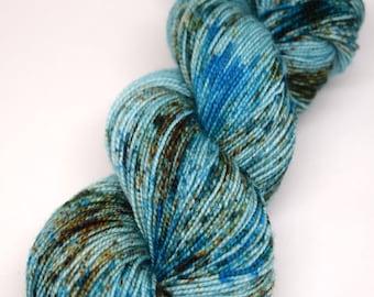 hand dyed yarn, hand painted yarn, handpainted yarn, superwash merino yarn, sock yarn, kettle dyed yarn, fingering, speckled yarn, speckles