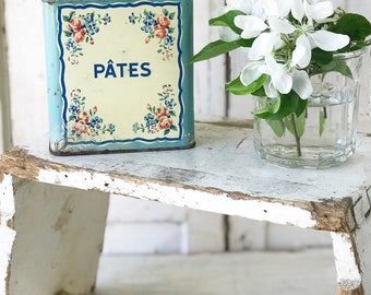 A beautiful weathered and worn French canister Pates tin