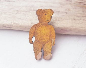 Bear brooch. Teddy bear brooch. Cuddly bear badge. Bear jewellery. Steiff. Teddy bear badge. Teddy bear jewellery. Vintage toy bear brooch.