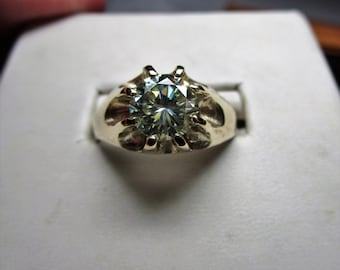 Mens 10kt  gold genuine 1.4ct moissanite claw ring