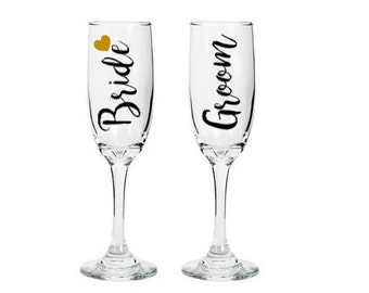 Bride and Groom Toasting Flutes, Bride and Groom Champagne Glasses, Wedding Gift, Engagement Gift, Gift for couple