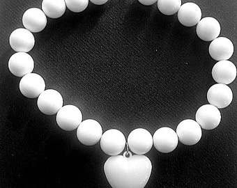 Chunky Lucite Bead Necklace Snow White Puffy Heart Pendant 17 - 19 Inches