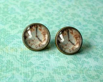 20 % OFF - Vintage Rusty Clock  Cabochon Stud Earrings,Earring Post,Cute Gift Idea
