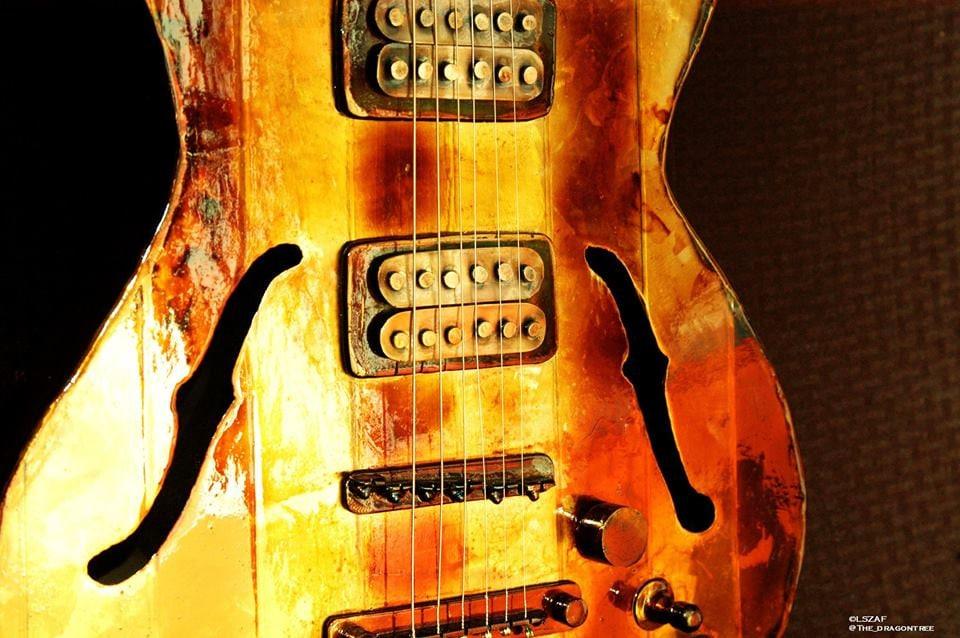 Custom guitar, custom replica, metal replica, guitar replica, actual ...