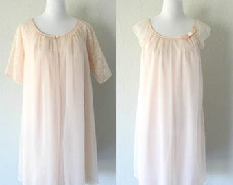 Vintage 1960's Vanity Fair Soft Pastel Pink Lace Peignoir Set/ Vintage Pink Nightgown and Robe Set Size Small