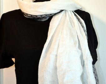foulard,( C6) étole en fine cotonnade blanche