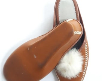 Vintage Native Mocassins, Native Slippers with fur, fun pom pom shoes, size 8